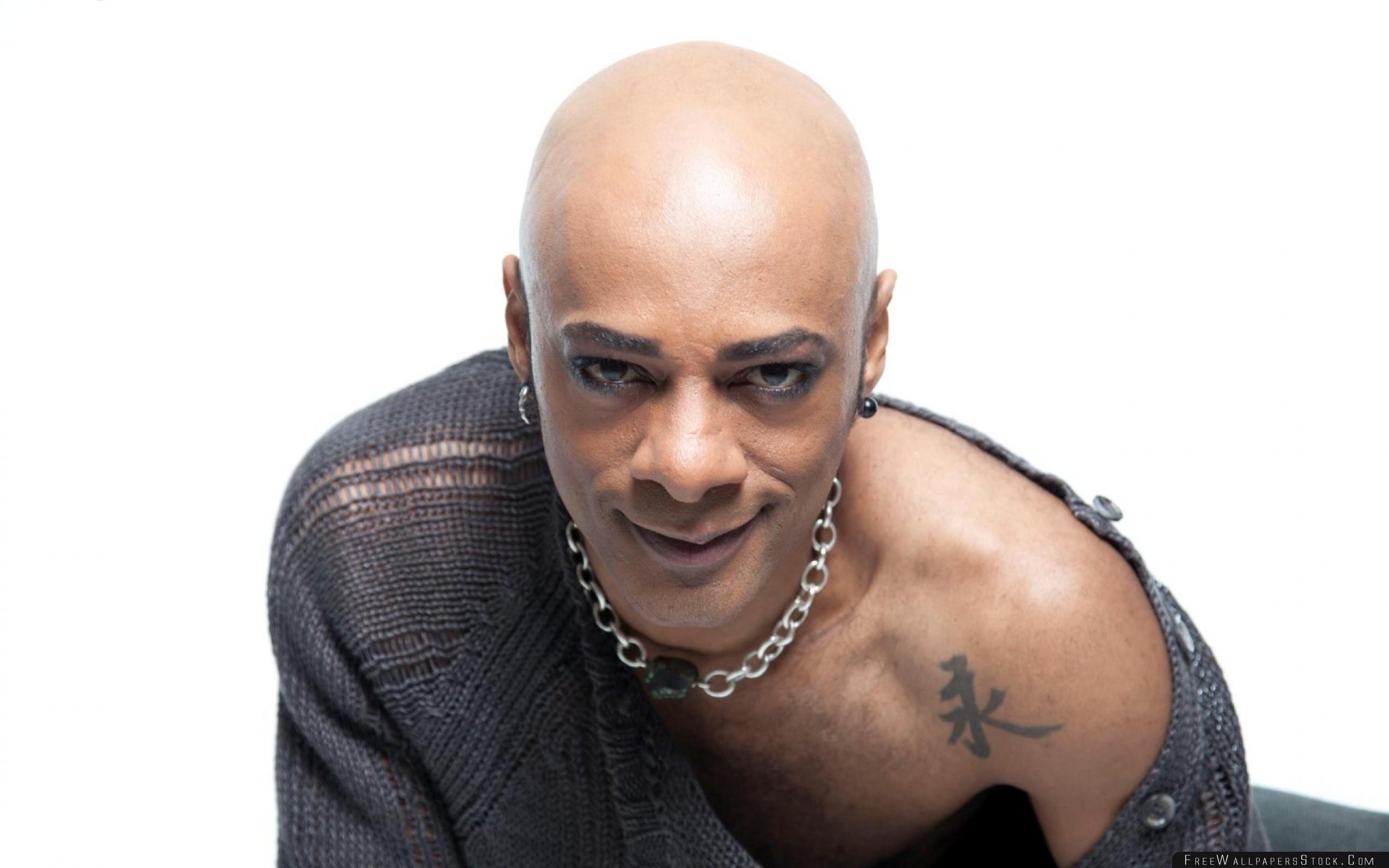 Download Free Wallpaper Percival Bald Shoulder Chain Tattoo