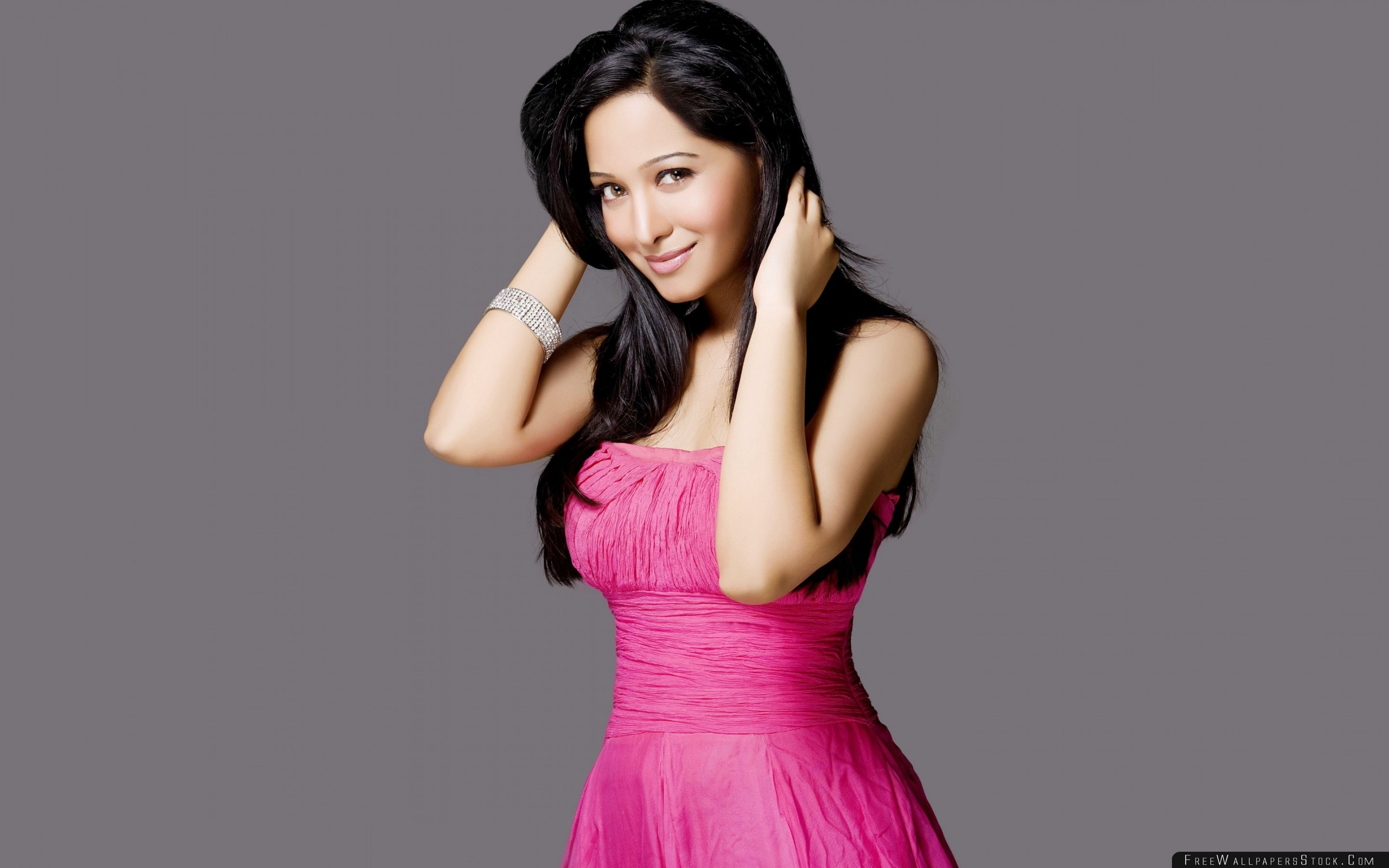 Download Free Wallpaper Preetika Rao Bollywood Girl Brunette Dress