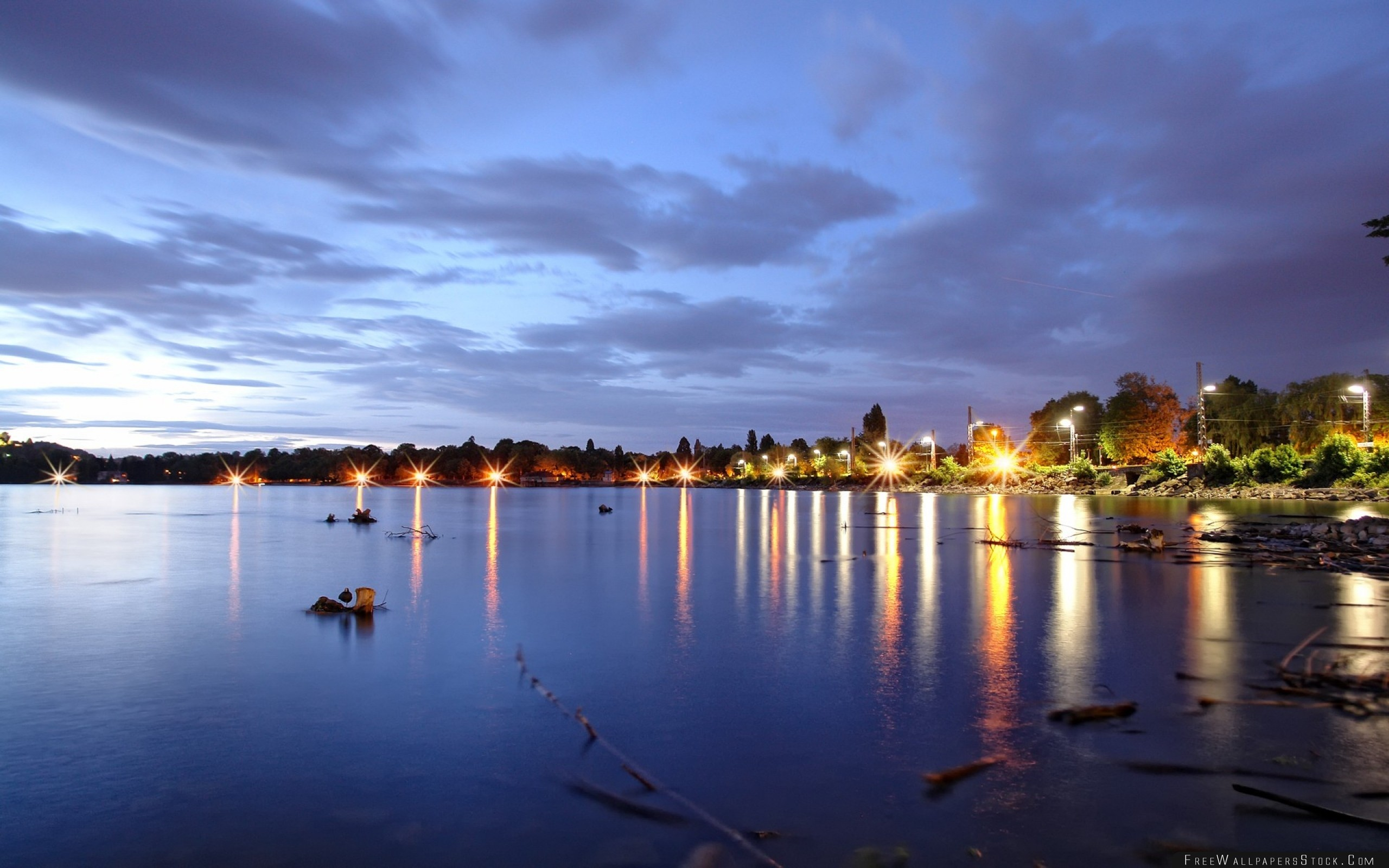 Download Free Wallpaper Sea Coast City Fires Light Fragments