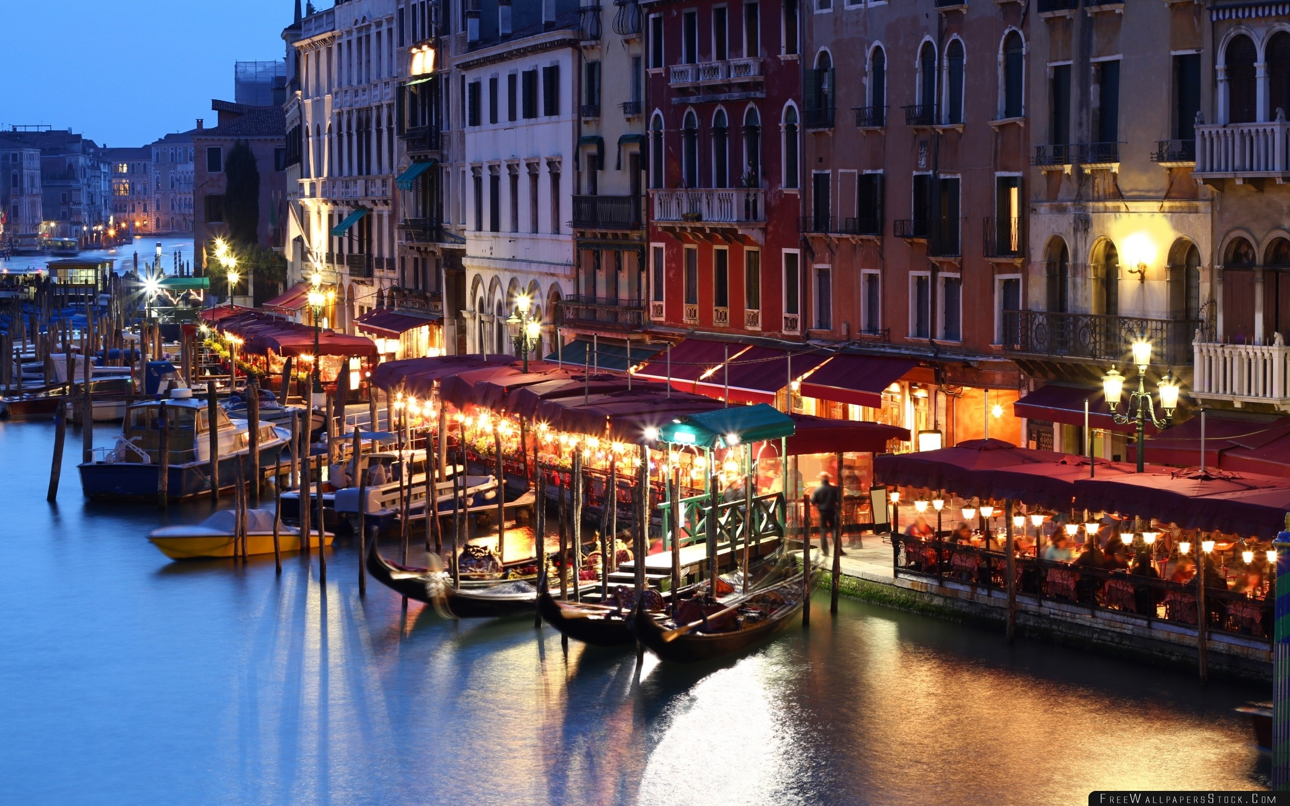 Download Free Wallpaper Venice Italy Building House Evening Cafe Lights People Canal Gondola Boats