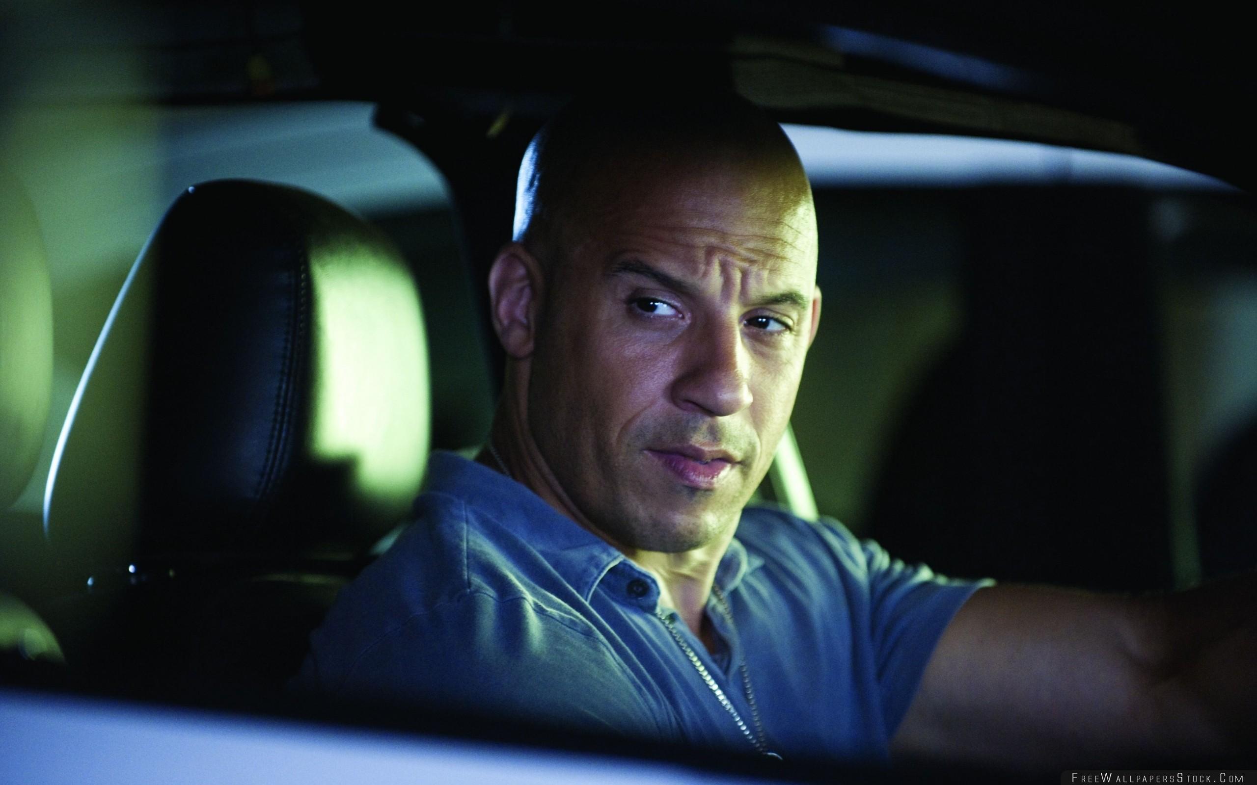 Download Free Wallpaper Vin Diesel Actor Man Car Wheel Serious Bald