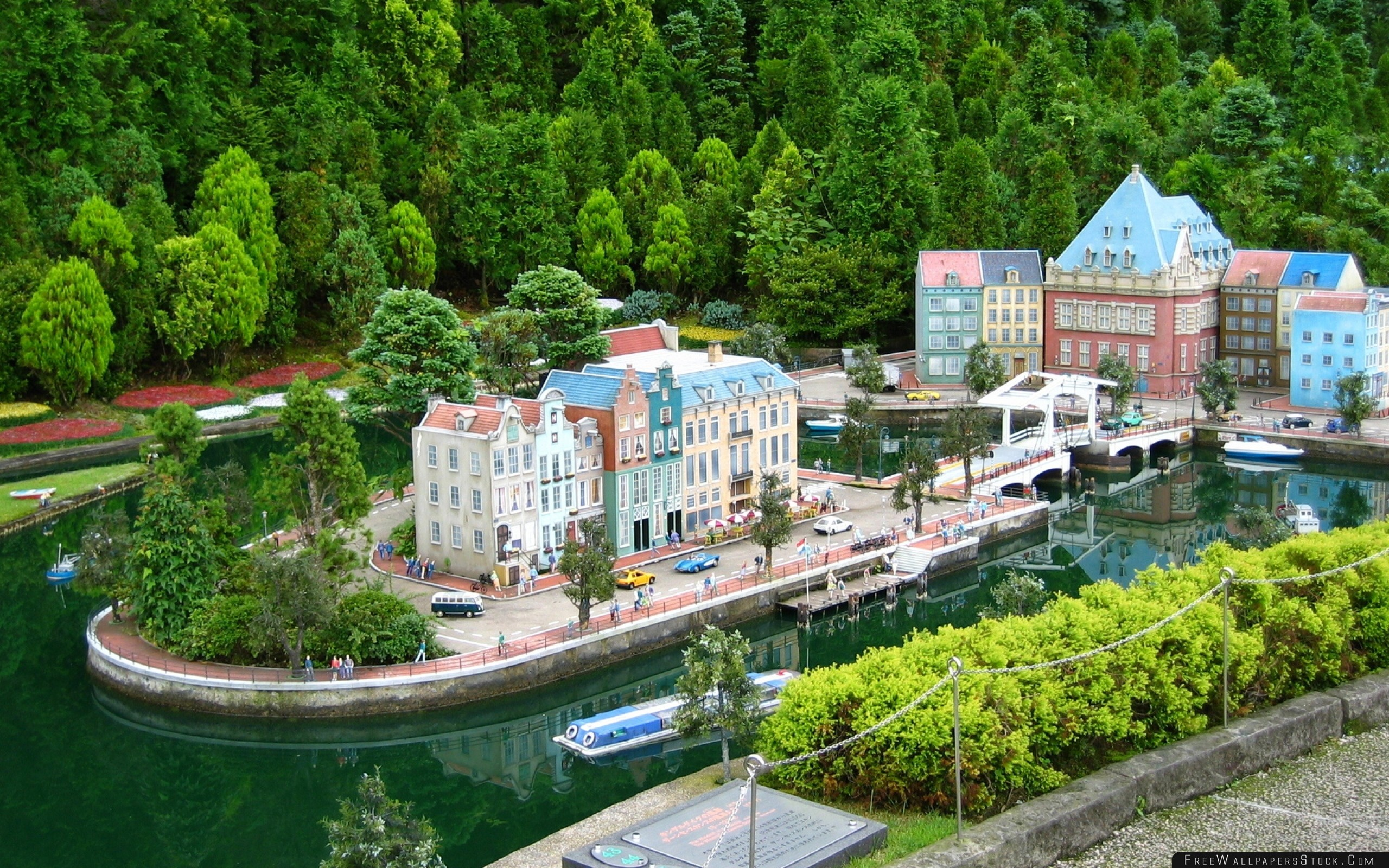 Download Free Wallpaper Water Trees People Houses