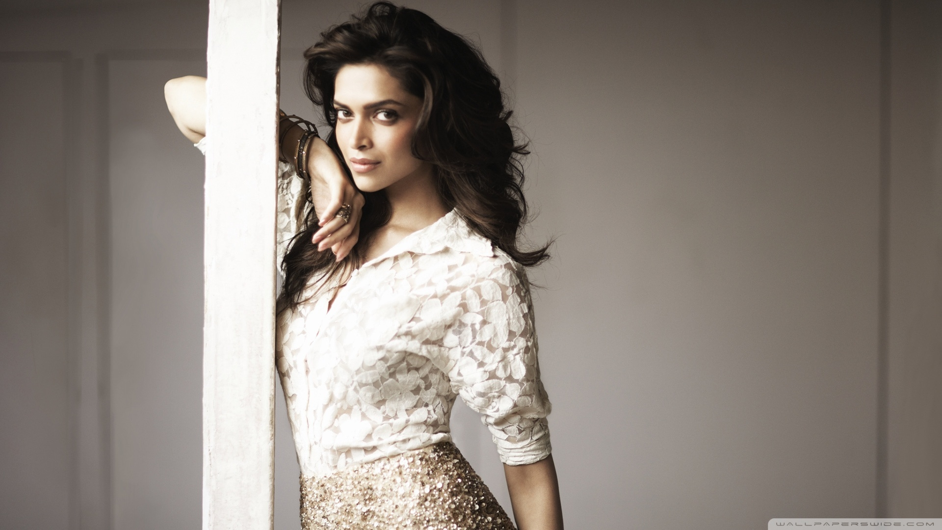 Download Free WallpaperDeepika Padukone