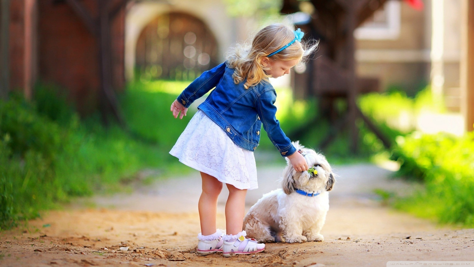 Download Free WallpaperGirl And Dog