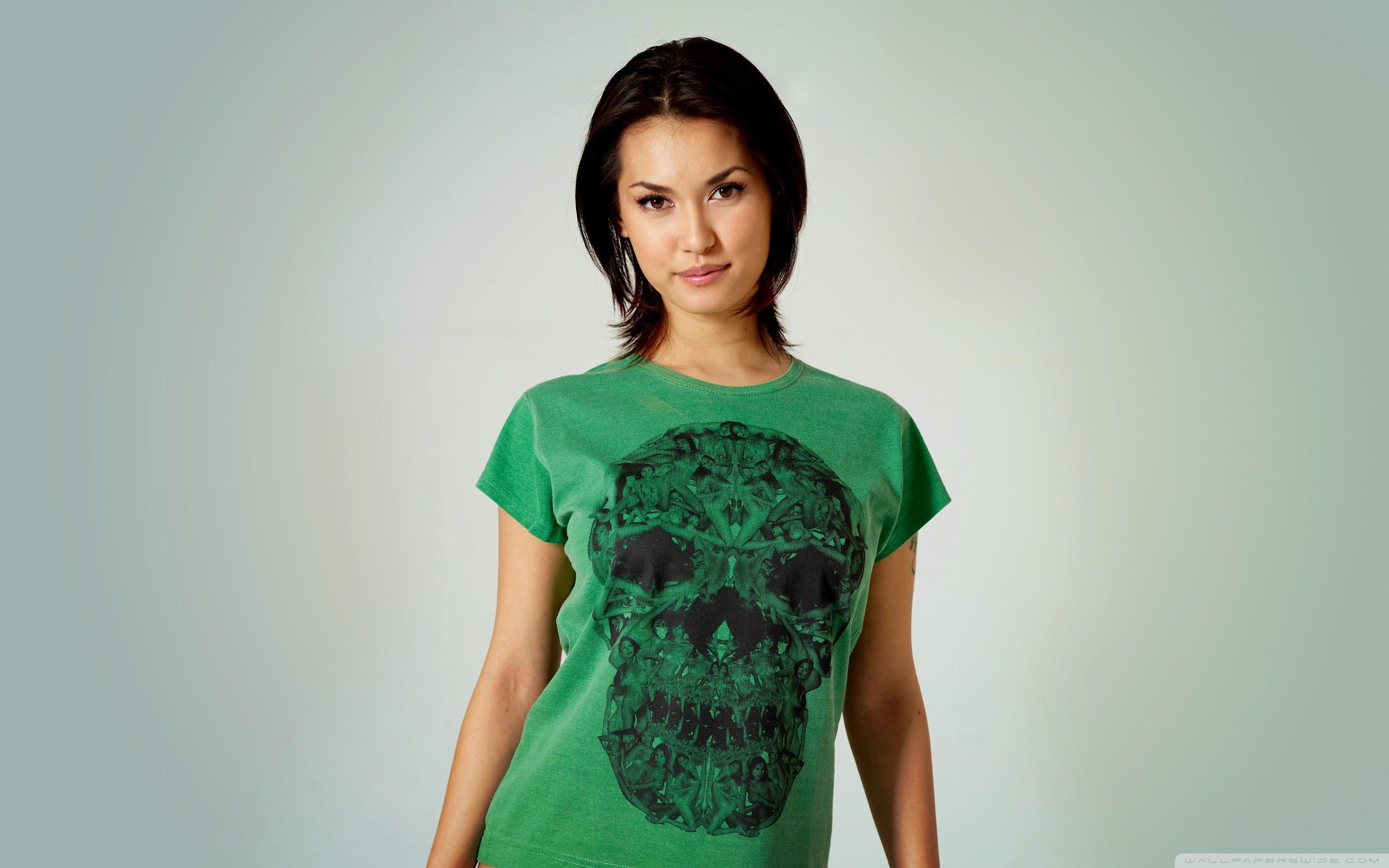 Download Free WallpaperGirl   Green Shirt