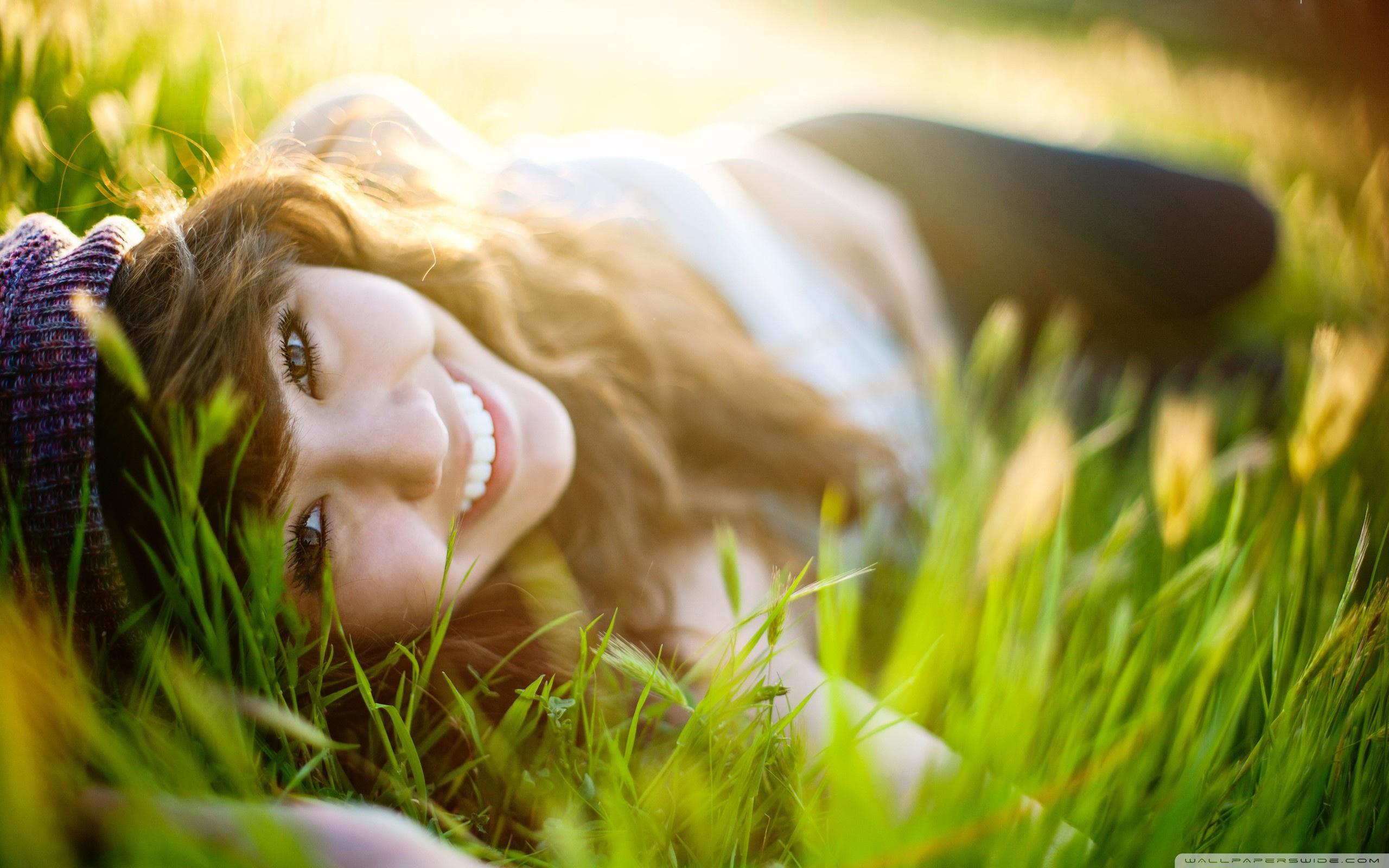 Download Free WallpaperGirl Lying   Grass