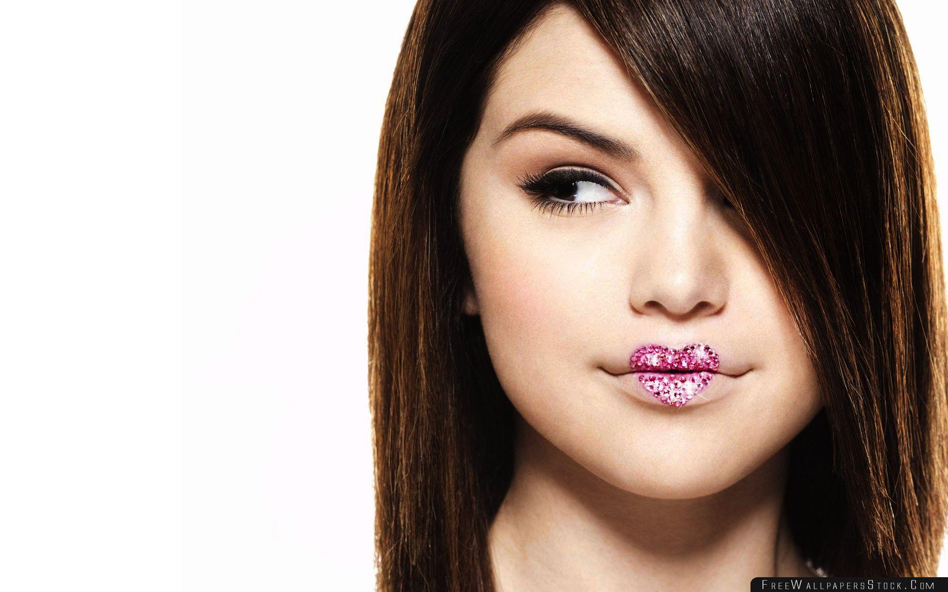 Download Free Wallpaper Selena Gomez Kiss Tell