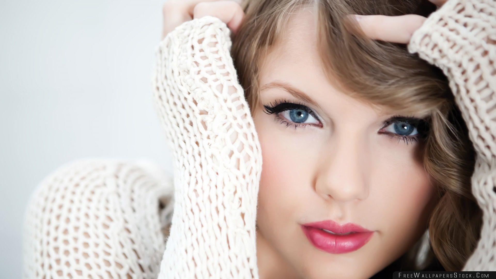 Download Free Wallpaper Taylor Swift Close