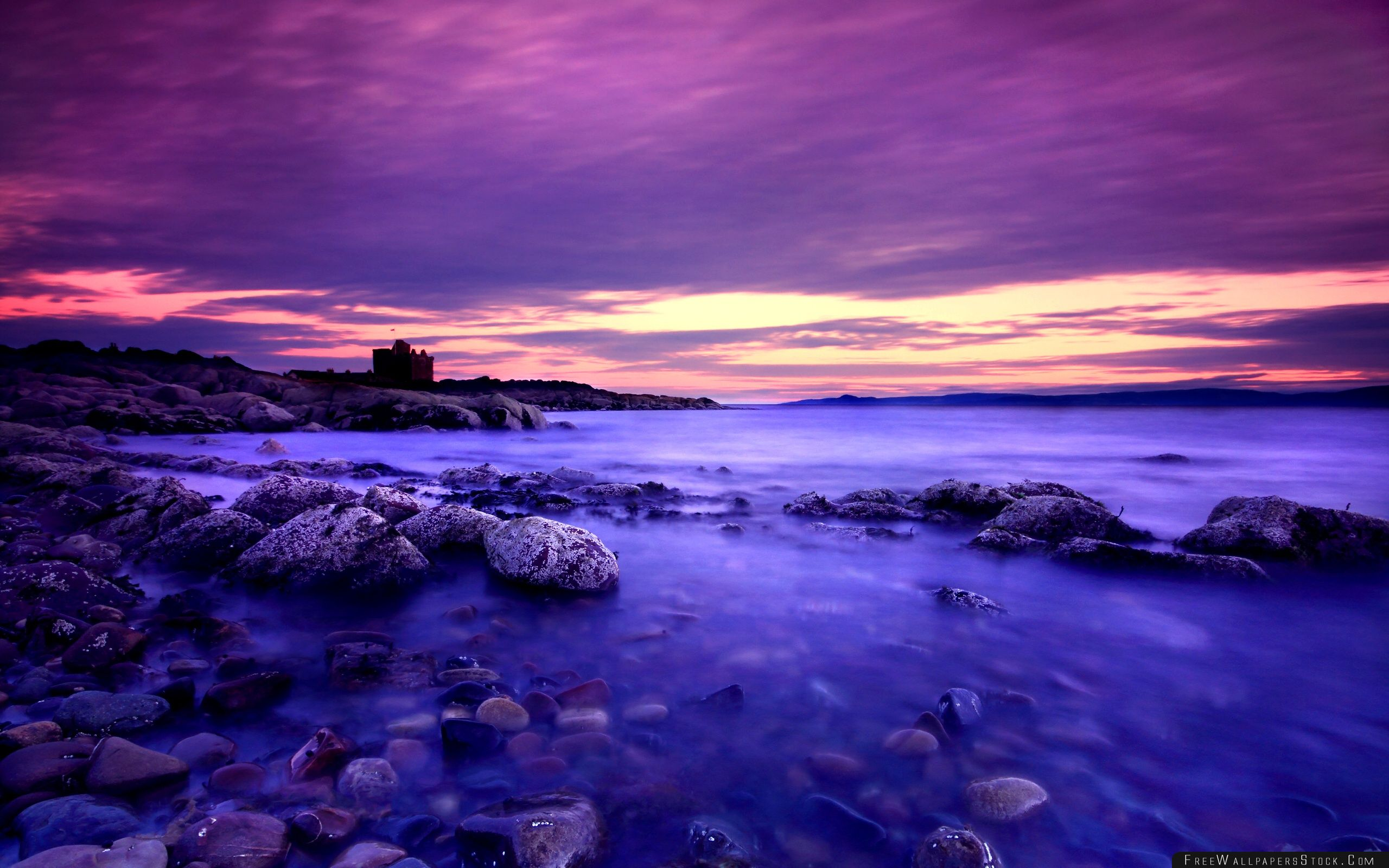 Download Free Wallpaper Violet Clouds And Blue Water