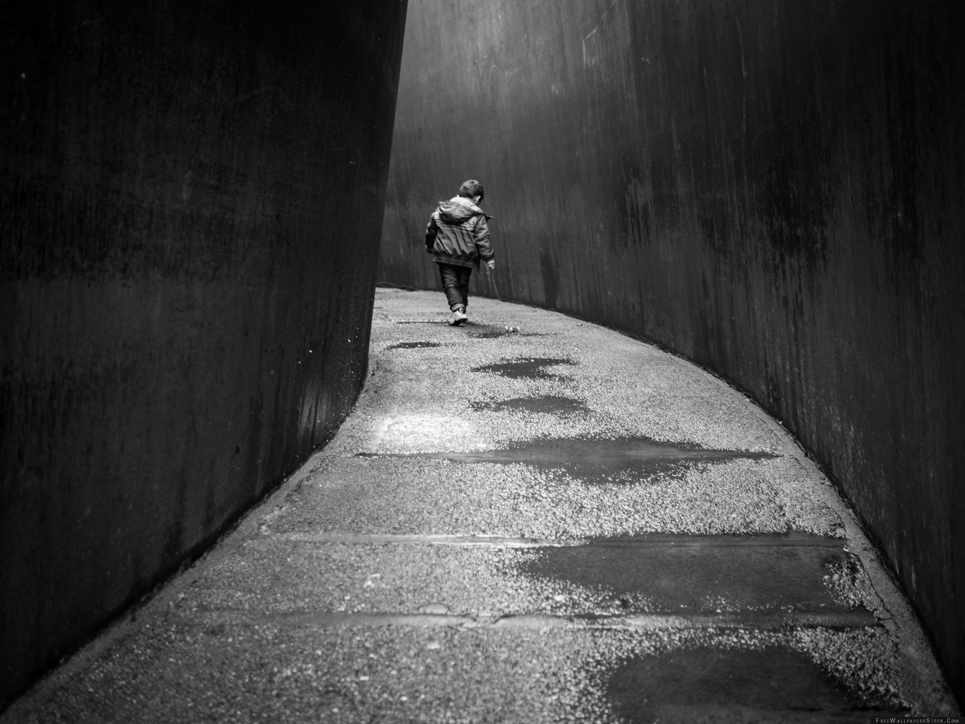 Download Free Wallpaper Walking Alone