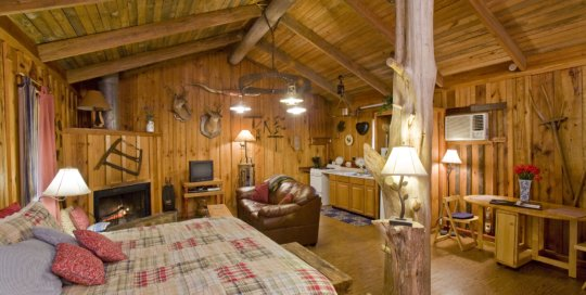 Panther Valley Ranch | Rustic cabin with Saw