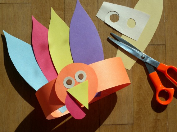 4 Easy And Festive Thanksgiving Crafts For Kids
