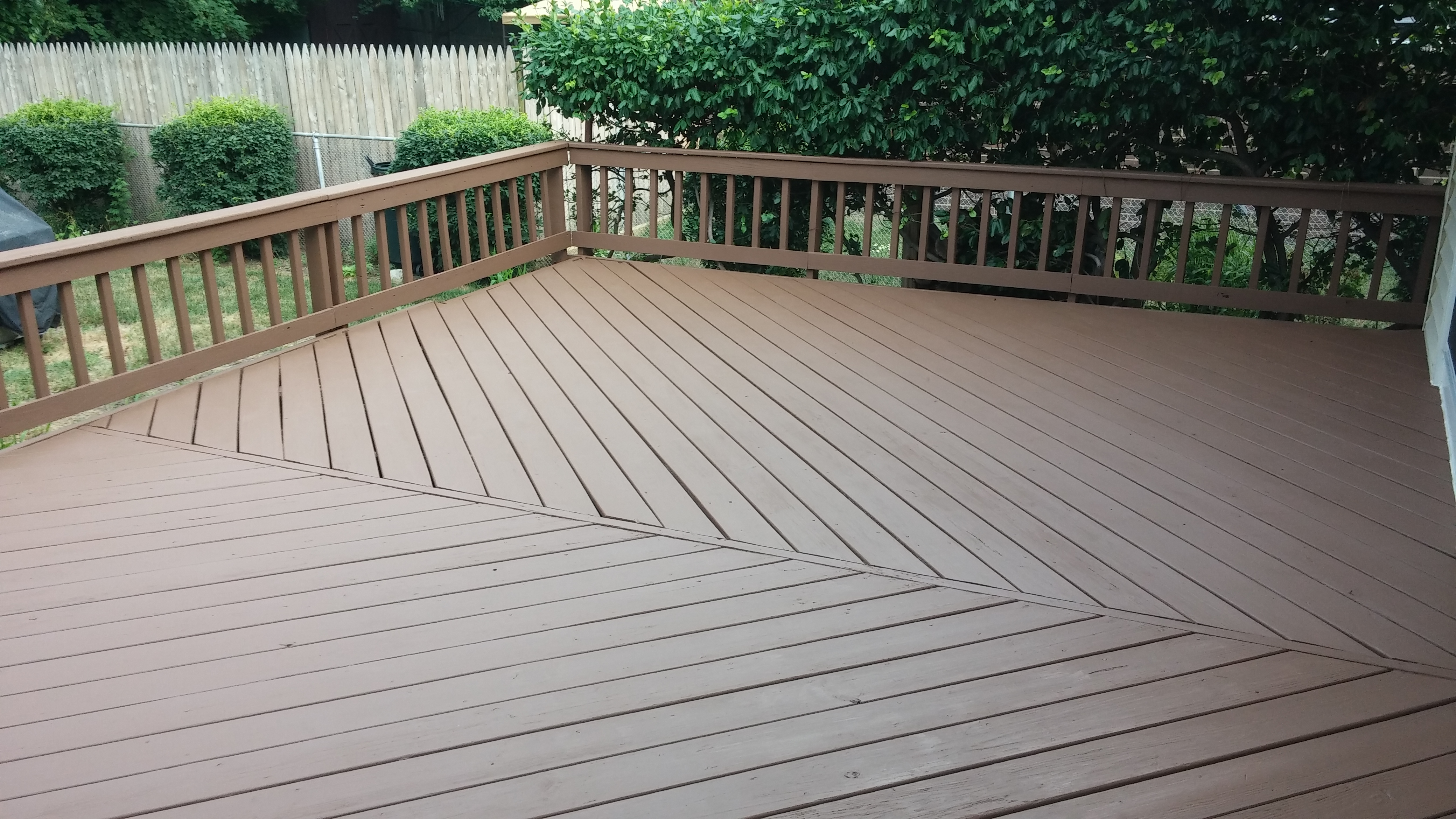 North Olmsted Deck Staining Service