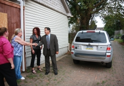 August 27, 2015: Senator Costa and Representative Gainey Hold Diaper Drive for Center for Victims