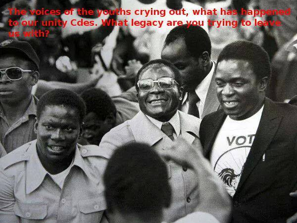 Robert Mugabe flanked by Solomon Mujuru and Emmerson Mnangagwa
