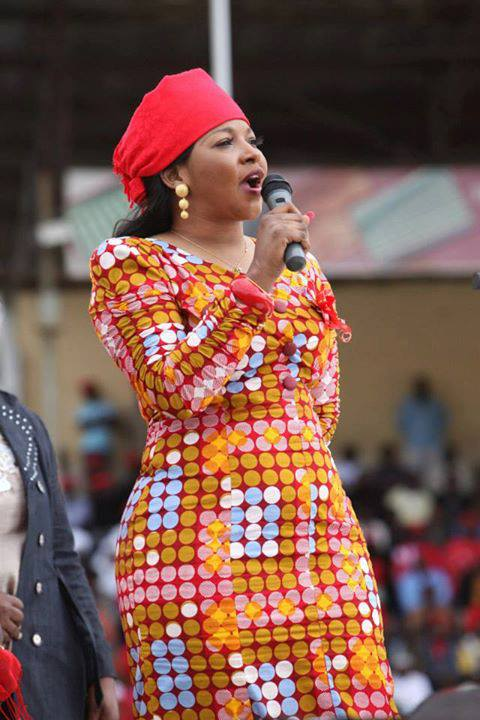 Elizabeth Tsvangirai addressing an MDC rally in Mutare