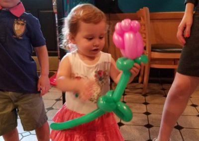 Balloon Twisting Atlanta - Bling it on Parties