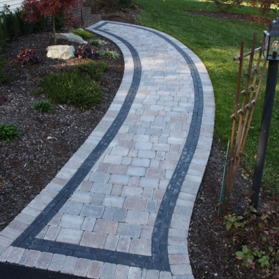 Sierra Brussels field with Basalt Copthorne interior border and Sierra Brussels exterior border