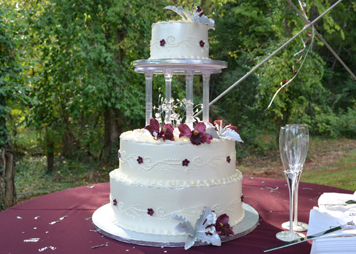 Dolcery-Desserts-Wedding-Cake-Buttercream