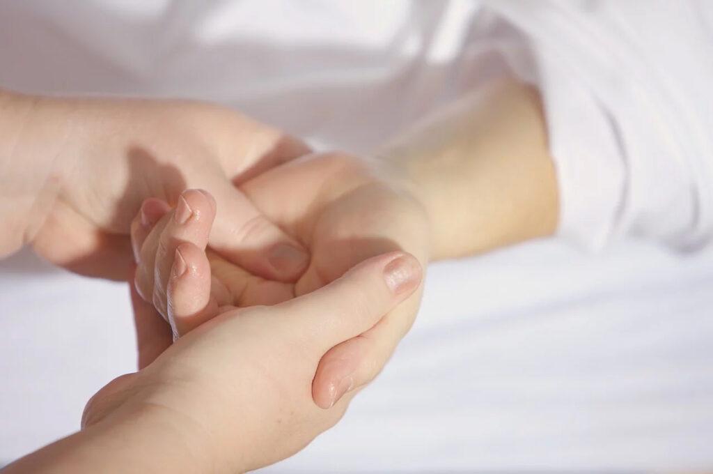 hand-and-foot-massage-benefits-tampa-1024x680 Six Benefits of Hand and Foot Massage! Tampa