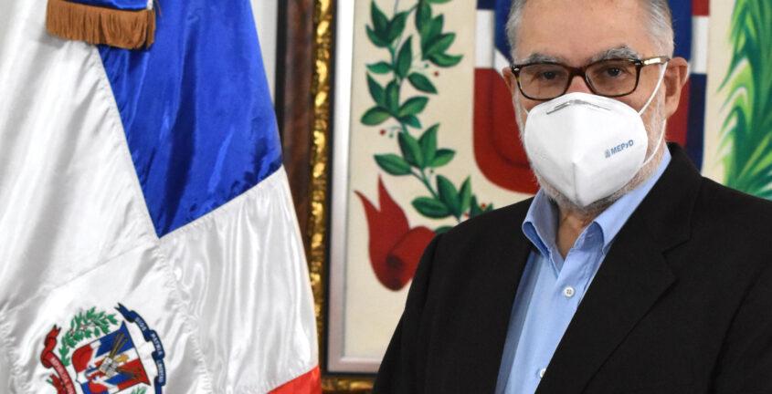 Ministro de Economía afirma Gobierno tiene como prioridad número uno la salud de las personas