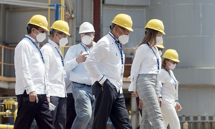 Autoridades del sector eléctrico realizan visita técnica a la Compañía de Electricidad de San Pedro de Macorís (CESPM)