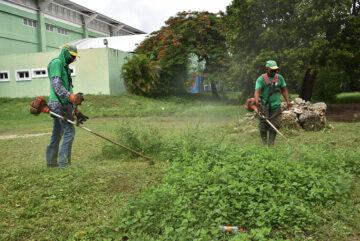 MOPC participa en labores de limpieza y rescate de áreas en el Parque del Este