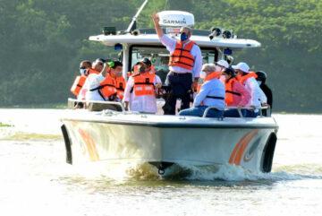 Presidente Luis Abinader realiza recorrido por los ríos Ozama e Isabela