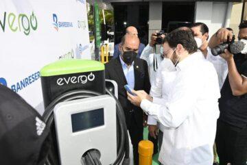 Banreservas instala estaciones de carga Evergo