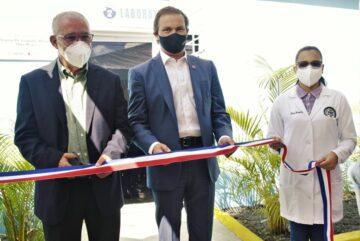 Save The Children Rehabilita laboratorio Hospital Leopoldo Martínez en Hato Mayor