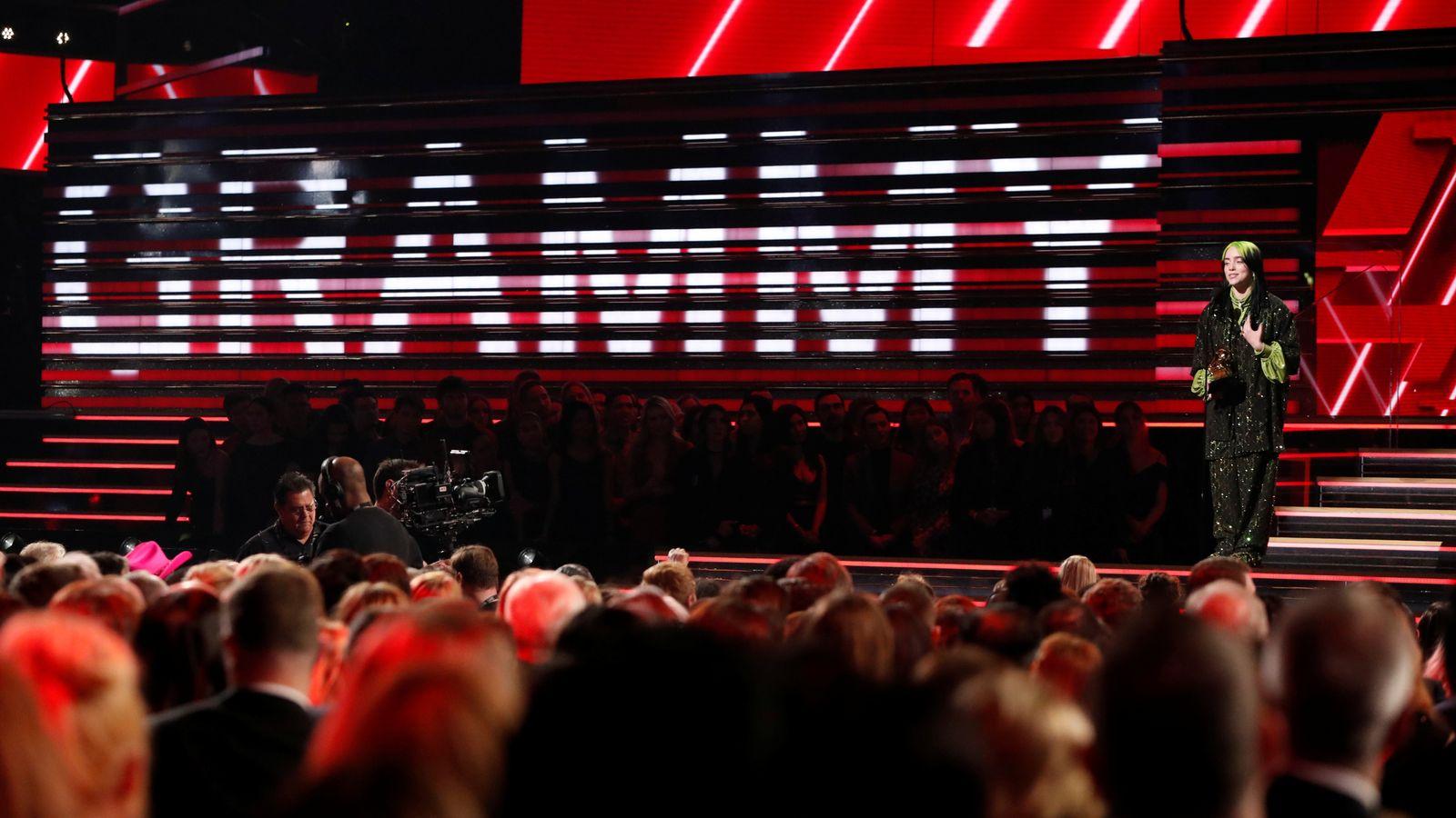 Los Grammy se han retrasado debido a un aumento en los casos de COVID-19 en Los Ángeles.
