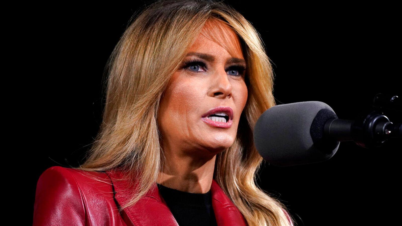 """Melania Trump ha dicho que está """"decepcionada"""" y """"desanimada"""" por los disturbios en el Capitolio la semana pasada, antes de agregar que es """"vergonzoso"""" que desde entonces ha sido blanco de """"chismes lascivos"""" y """"ataques personales"""". La primera dama hizo las declaraciones en un comunicado el lunes cuando dijo que """"esta vez se trata únicamente de sanar a nuestro país"""" y no debe utilizarse para """"beneficio personal"""". No está claro a qué ataques personales se refiere la esposa del presidente estadounidense saliente. Sin embargo, la ex amiga y asesora Stephanie Winston Wolkoff ha criticado a la primera dama por su """"silencio e inacción"""" desde el motín. Wolkoff, quien ha escrito un libro sobre su amistad con Trump, también escribió en un artículo del Daily Beast que el presidente y la primera dama """"carecen de carácter"""" y """"no tienen brújula moral"""". La señora Trump dijo en su declaración que su """"corazón está con los que murieron cuando los manifestantes irrumpieron en el Capitolio"""", antes de agregar: """"Estoy decepcionada y desanimada con lo que sucedió la semana pasada. """"Me parece vergonzoso que en torno a estos trágicos sucesos haya habido chismes lascivos, ataques personales injustificados y acusaciones falsas y engañosas contra mí, de personas que buscan ser relevantes y tienen una agenda."""