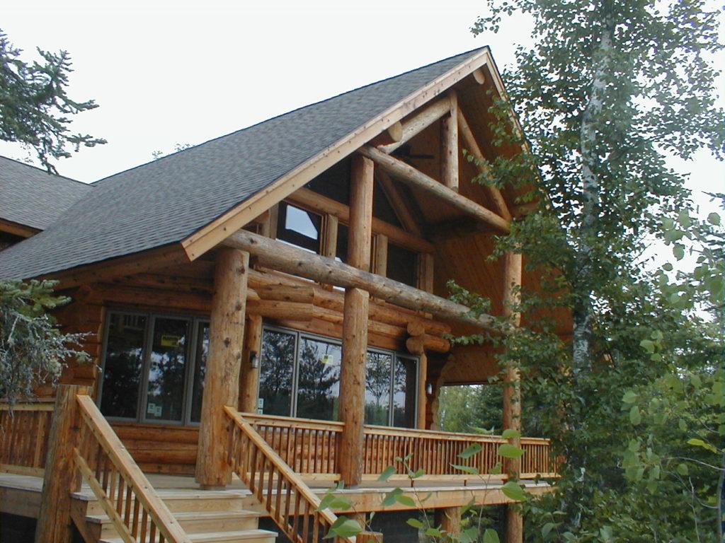 Cedar Log Home, lakeside deck