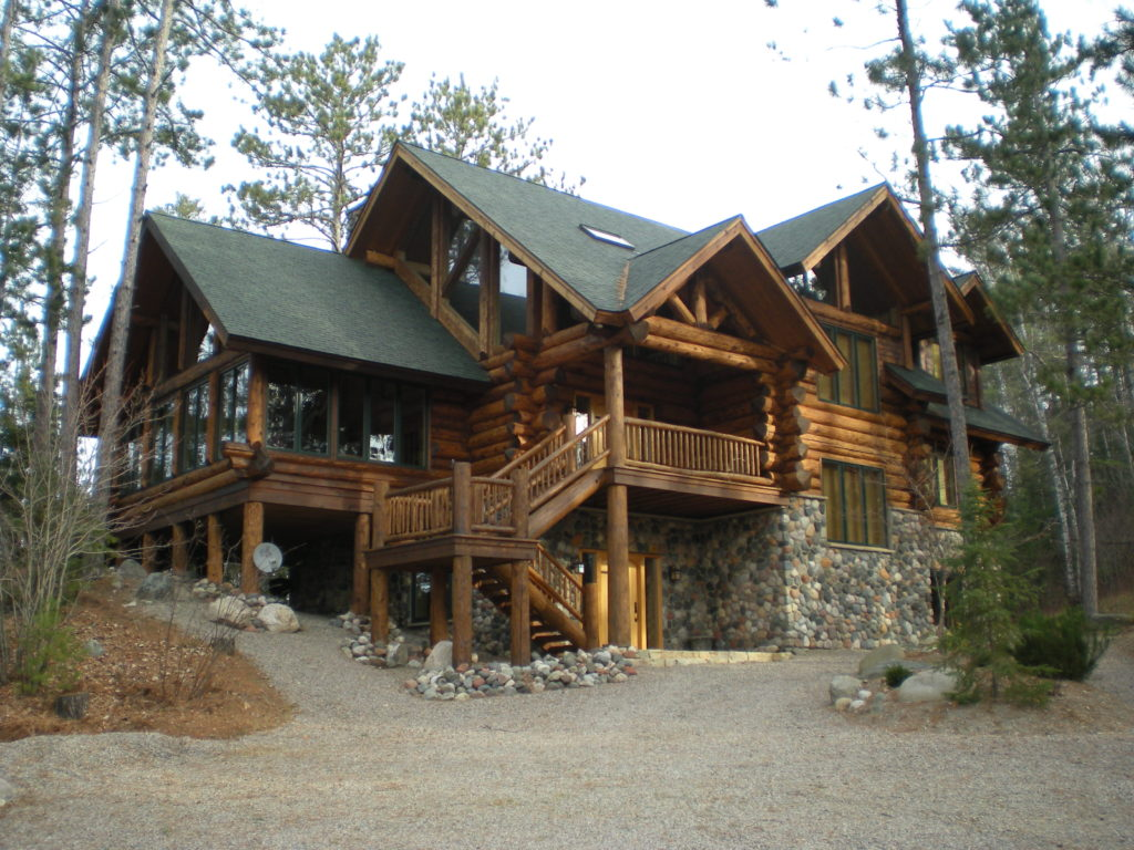 Large cedar and stone log home (1)
