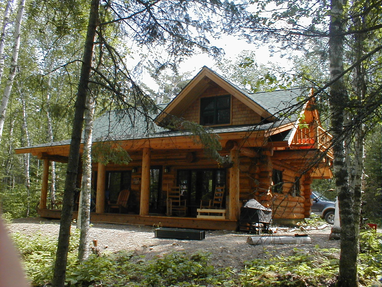 log-timber-custom-lake-home-builder