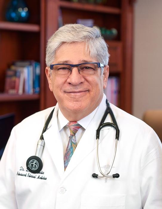 Dr. Leon Schwechter