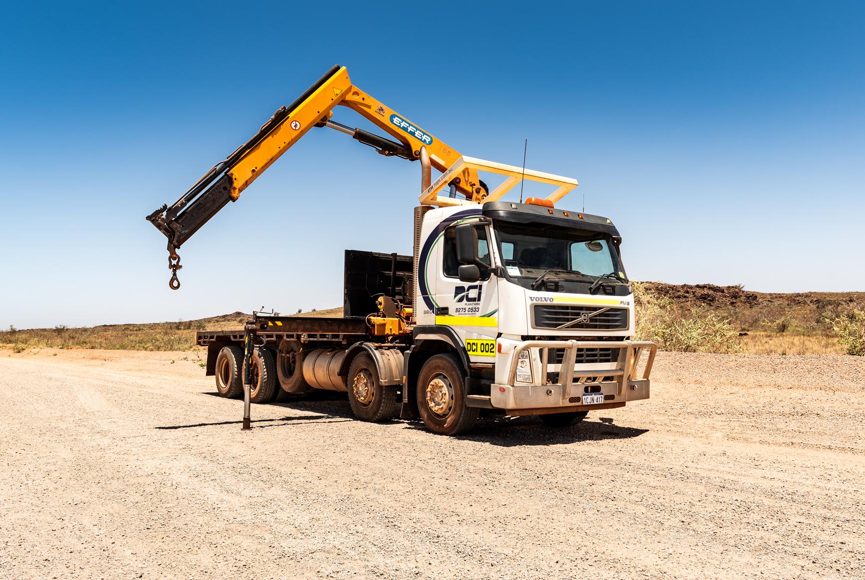 Tray Top Crane Truck
