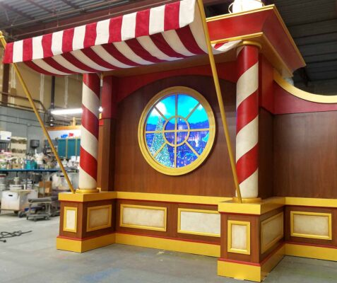 Galleria at White Plains - Santa's Workshop Desk