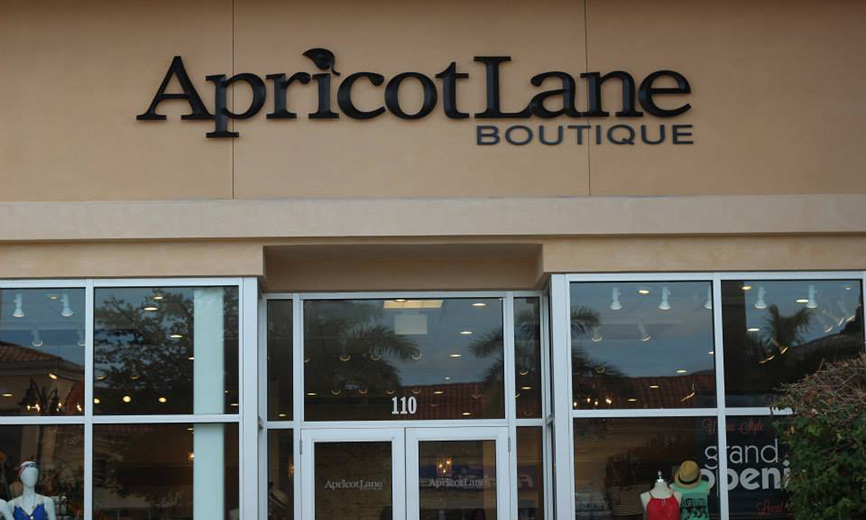 ApricotLane Boutique Fort Myers sign