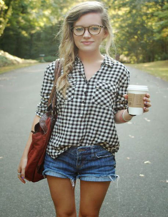 Gingham-Clothes-Street-Style-Chics-1