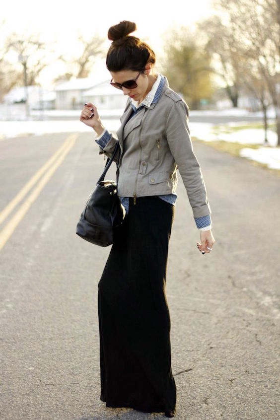 woman in black skirt