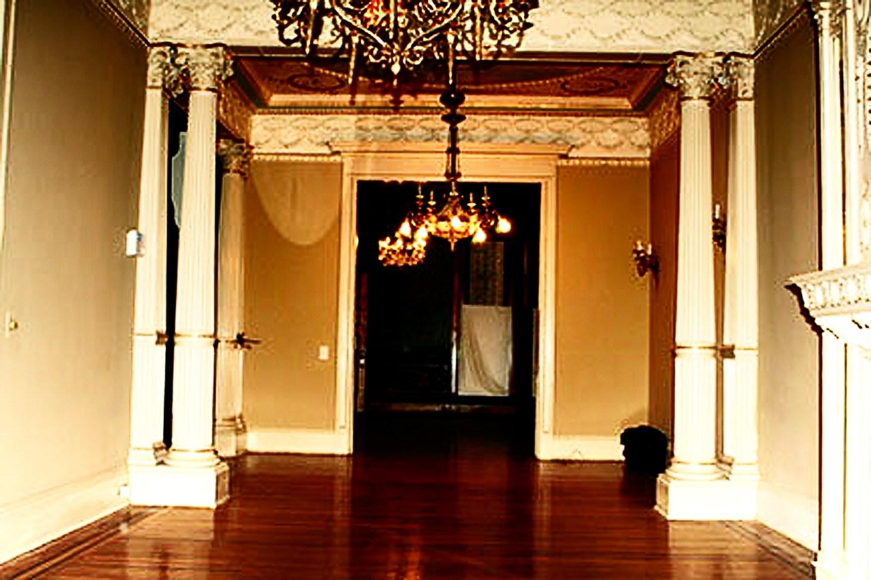 Central Room Exhibition Gallery, Parker Studio of Structural Sculpture, Wood corinthian columns carv
