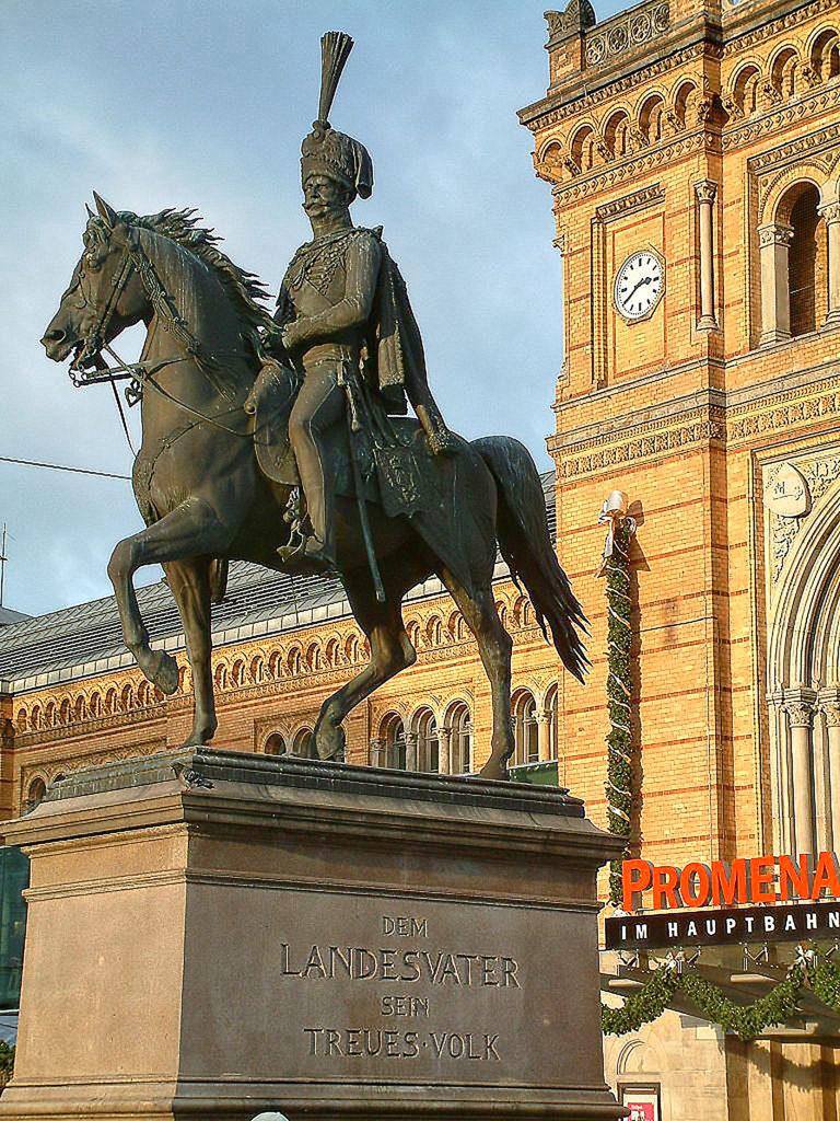 Ernst August Reiterdenkmal, Hannover, Bildhaur - Albert Wolf