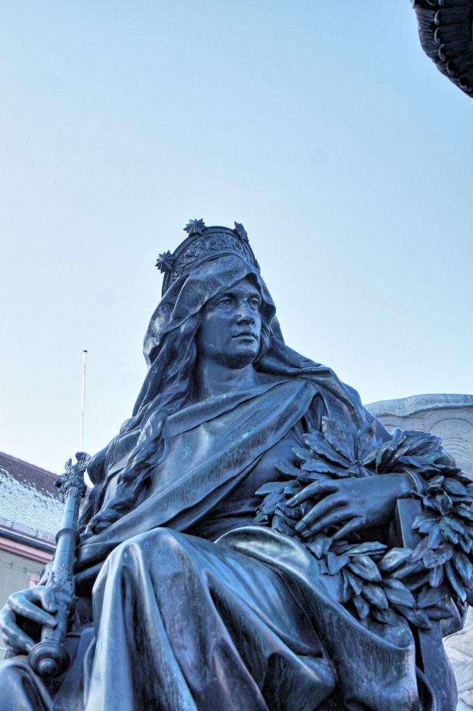 Georg Leistner, sculptor, Paulibrunnen 1889, Erlangen, Market Place, Germany
