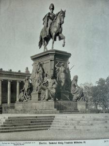 Denkmal König Friedrich Wilhelm III. im Lustgarten Mitte, Berlin 1863, sculptor Albert Wolff, after design of Christian Daniel Rauch - his main professor at the Berlin Academy of Fine Art.
