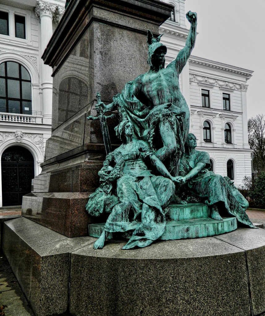 Equestrian statue Kaiser Wilhelm I at de Altonaer Rathaus Hamburg Altona, sculpted in 1898 by Gustav Eberlein