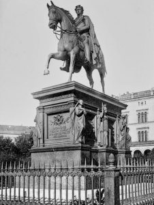 Kaiser Frederick Wilhelm III. Denkmal Königsberg sculptor August Karl Eduard Kaiser Frederick Wilhelm III. Denkmal Königsberg sculptor August Karl Eduard Kiß, monument ceremony 3 August 1851 in the presence of Prussian King Friedrich Wilhelm IV. The ceremonial revelation of the monument took place on 3 August 1851 in the presence of the Prussian King Friedrich Wilhelm IV and the Prussian prince Carl , Albrecht and Adalbert . The monument was considered the most representative of the city.