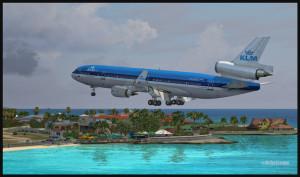 Un MD-11 de KLM est en courte finale piste 10 à Saint- Martin