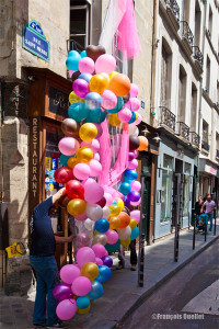 Préparatifs pour la Gay Pride 2013 de Paris