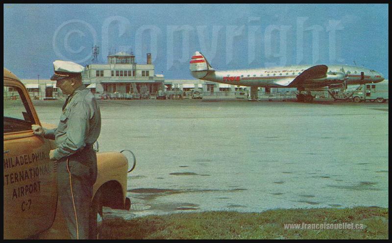 Employé, aéroport de Philadelphie et L-049 Constellation sur carte postale